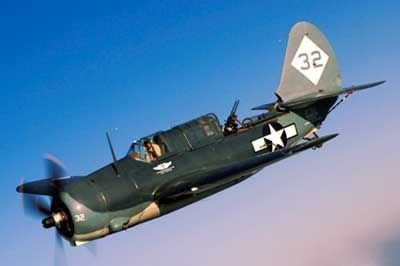 Curtiss-SB2C-Helldiver-WWII-Dive